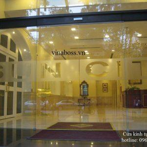 Cửa kính tự động vinaboss